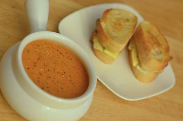Creamy Tomato Gorgonzola Soup (with Greek Yogurt)