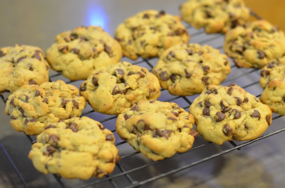 Levain Bakery Style Chocolate Chip Cookies